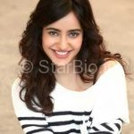Neha Sharma Biography, Height, Weight, Age, Husband, Family & Wiki