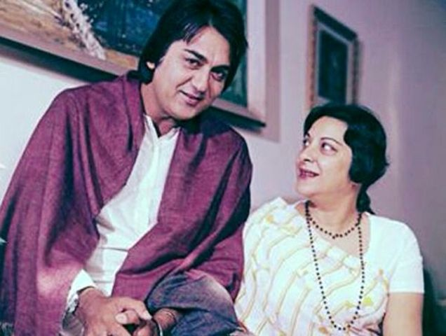 Sunil Dutt With His Wife Nargis
