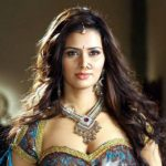 Meenakshi Dixit Height, Age, Weight, Wiki, Biography, Family, Profile