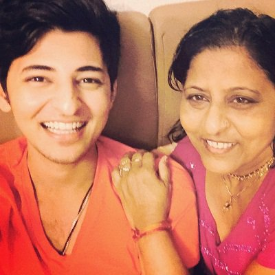 Darshan Raval with his mother